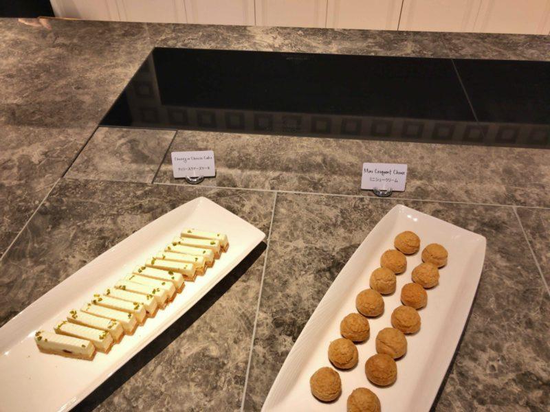 シュークリームとチーズケーキ